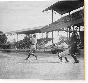 Babe Ruth, 1920 Wood Print by Everett