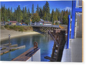 Balfour Bc Docks And Ferry  Wood Print by Lee  Santa
