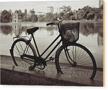 Bicycle By The Lake Wood Print by Dave Bowman