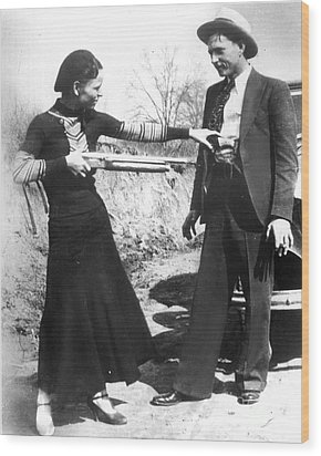 Bonnie And Clyde, 1933 Wood Print by Granger