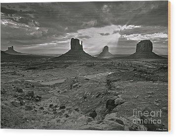Breaking Light At Monument Valley - Black And White Wood Print by Brian Stamm