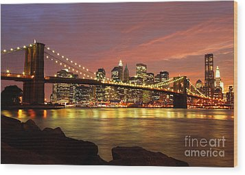 Brooklyn Bridge At Night Wood Print by Holger Ostwald