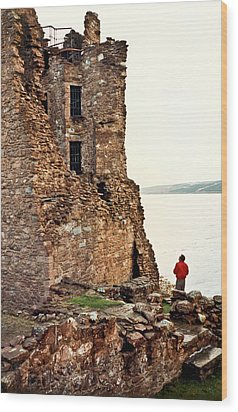 Castle Ruins On The Seashore In Ireland Wood Print by Douglas Barnett