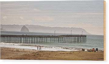 Caycous Pier II Wood Print by Sharon Foster