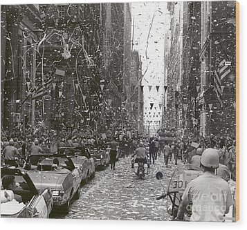 Chicago Welcomes Apollo 11 Astronauts Wood Print by Nasa