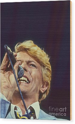 David Bowie Smiling Eye Wood Print by Philippe Taka