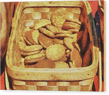 Ginger Snap Cookies In Basket Wood Print by Susan Savad