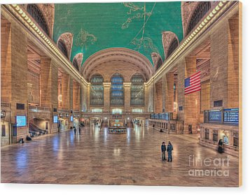 Grand Central Terminal V Wood Print by Clarence Holmes
