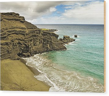 Green Sand Beach On Hawaii Wood Print by Brendan Reals
