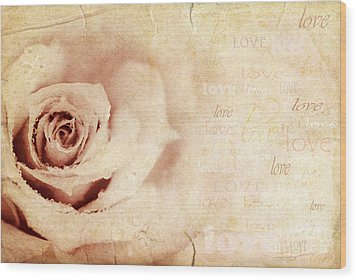 Grungy Rose Background Wood Print by Anna Om