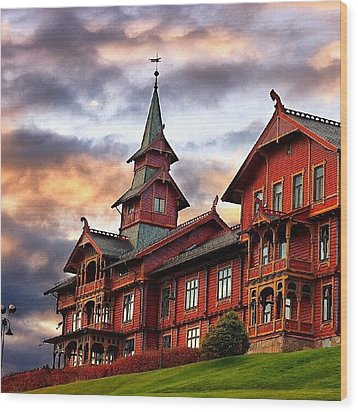 Holmenkollen Hotell Wood Print by Torbjorn Schei