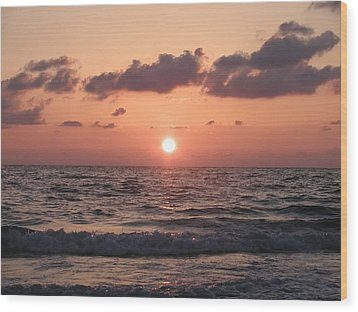 Honey Moon Island Sunset Wood Print by Bill Cannon