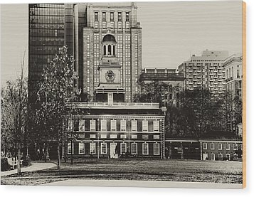 Independence Hall Wood Print by Bill Cannon