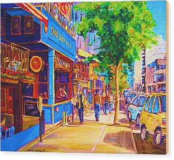 Irish Pub On Crescent Street Wood Print by Carole Spandau