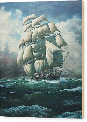 'land Ho' Cutty Sark Wood Print by Colin Parker