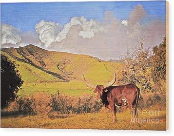 Lonesome Longhorn Ojai California Wood Print by Gus McCrea