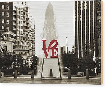 Love In Philadelphia Wood Print by Bill Cannon