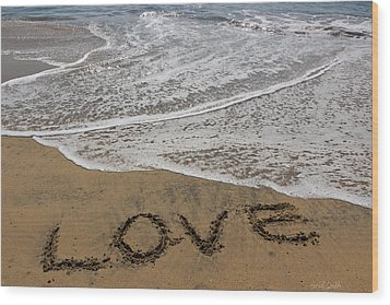 Love On The Beach Wood Print by Heidi Smith