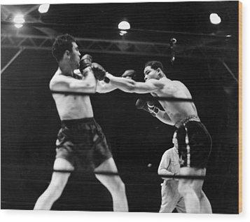 Max Schmeling Fights Joe Louis Wood Print by Everett