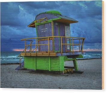 Miami - South Beach Lifeguard Stand 004 Wood Print by Lance Vaughn