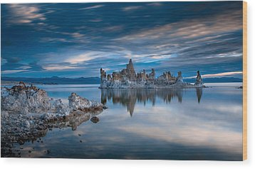 Mono Lake Tufas Wood Print by Ralph Vazquez