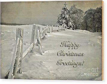 Mother Nature's Christmas Tree Card Wood Print by Lois Bryan