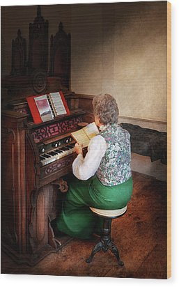 Music - Organist - The Lord Is My Shepherd  Wood Print by Mike Savad