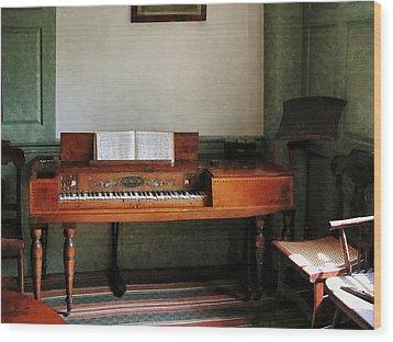 Music Room With Piano Wood Print by Susan Savad
