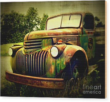 Old Flatbed 2 Wood Print by Perry Webster