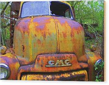 Ole Rusty Full Frontal Wood Print by Dana  Oliver