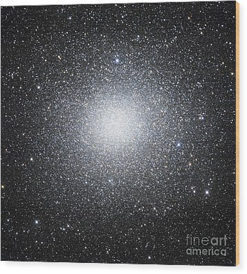 Omega Centauri Or Ngc 5139 Wood Print by Robert Gendler