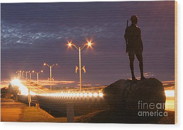 Palatka Memorial Bridge Doughboy Wood Print by Angie Bechanan