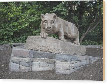 Penn Statue Statue  Wood Print by John McGraw