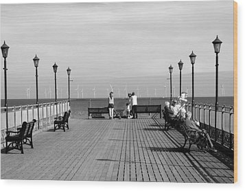 Pier End View At Skegness Wood Print by Rod Johnson