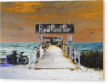 Pier Scape Wood Print by David Lee Thompson