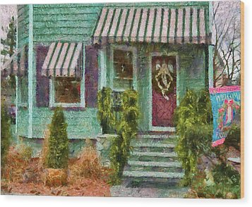 Porch - Westfield Nj - Welcome Friends Wood Print by Mike Savad