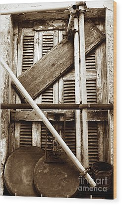 Repair In Athens Wood Print by John Rizzuto