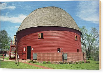 Route 66 - Round Barn Wood Print by Frank Romeo