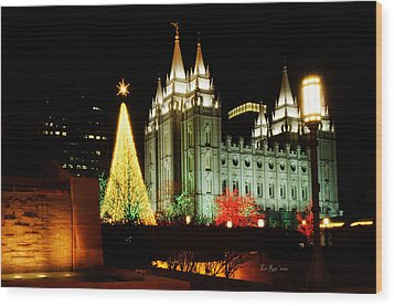 Salt Lake Temple Christmas Tree Wood Print by La Rae  Roberts