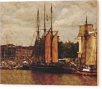 Setting Sail From Bristol Wood Print by Brian Roscorla