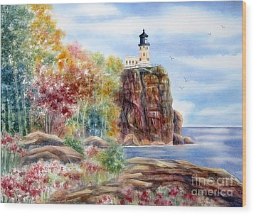Split Rock Lighthouse Wood Print by Deborah Ronglien
