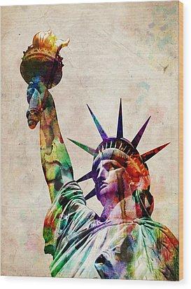 Statue Of Liberty Wood Print by Michael Tompsett