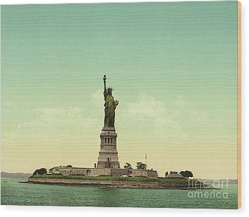 Statue Of Liberty, New York Harbor Wood Print by Unknown