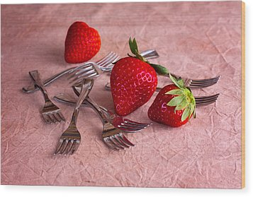 Strawberry Delight Wood Print by Tom Mc Nemar