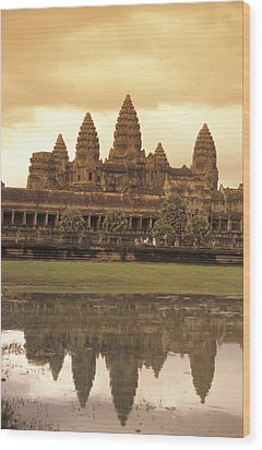 The Angkor Wat Temples In Siem Reap Wood Print by Richard Nowitz