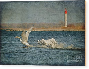 The Chase Is On Wood Print by Lois Bryan
