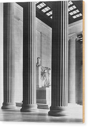 The Lincoln Memorial Wood Print by War Is Hell Store