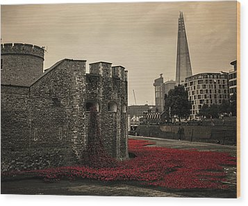 Tower Of London Wood Print by Martin Newman