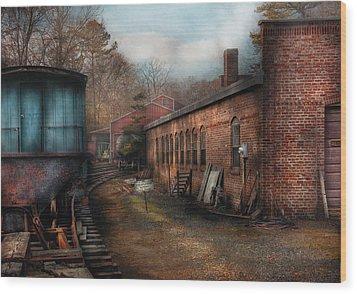Train - Yard - The Train Yard Wood Print by Mike Savad
