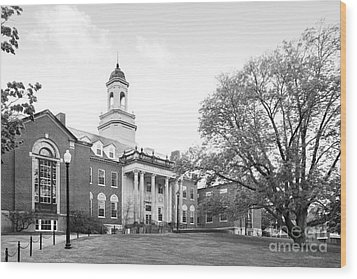University Of Connecticut Wilbur Cross Building Wood Print by University Icons